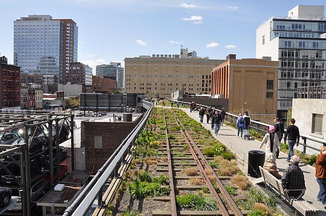 High Line - puisto katujen yläpuolella