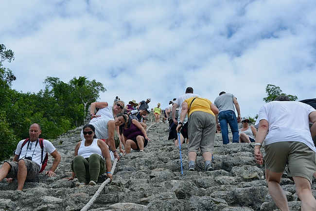 Kiipeämistyylejä oli hyvin erilaisia siinä missä alastulotapojakin.
