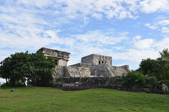 Alueen päätemppeli Castillo.