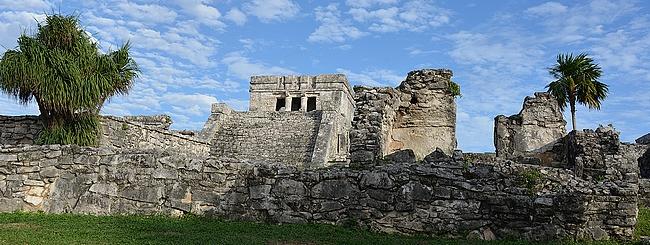 Tulumin rauniot on yksi Jukatanin niemimaan päänähtävyyksistä.