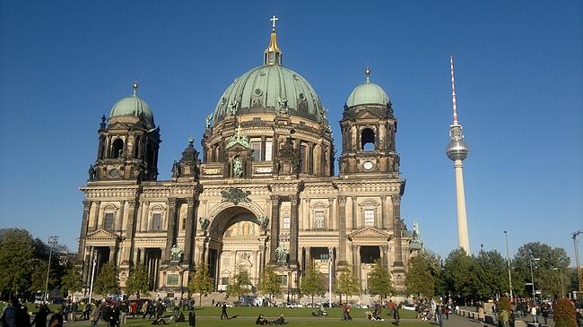 Berliinin kiehtovimmat rakennukset löytyy vanhalta itäiseltä puolelta.