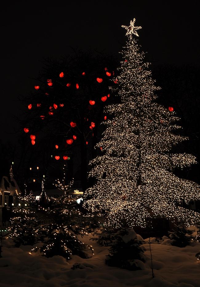 Joulukortti lukijoille - Kööpenhaminan tivoli.