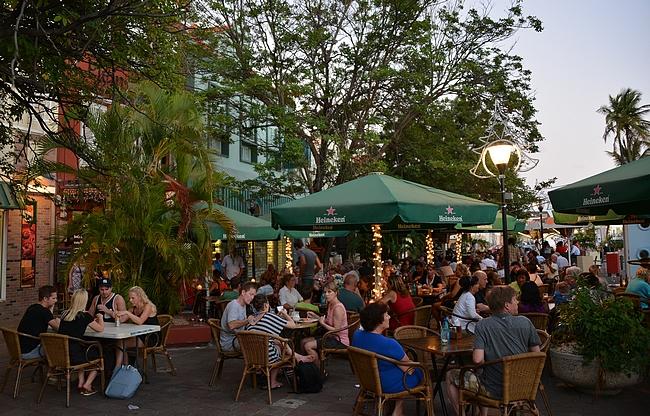 Plein Café Wilhelmina - Heineken näkyy myös Willemstadin katukuvassa Curacaolla.