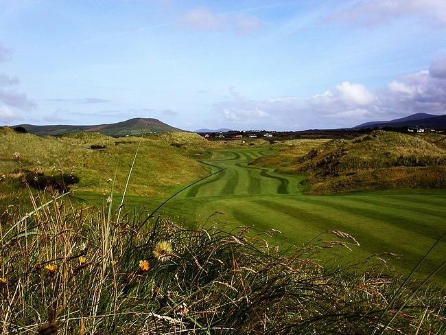 Minun Irlanti löytyy mahdollisimman kaukaa asutuksista, kunhan sieltä löytyy golfkenttä ja pubi.