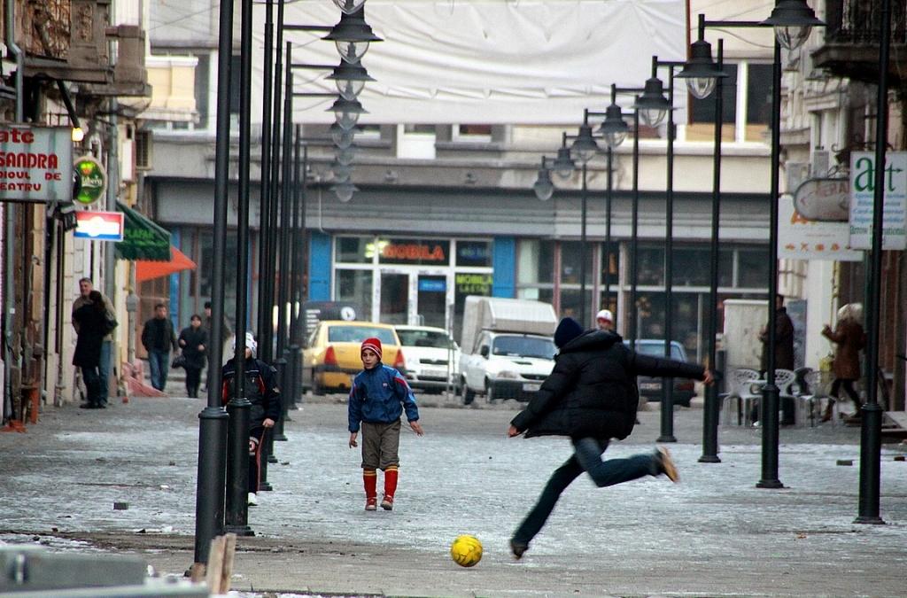 Romanialaiset on jalkapallokansaa.