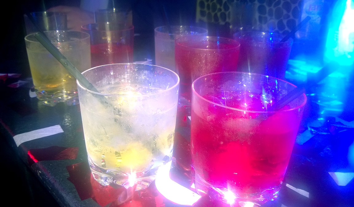Juomatilausta Tao Nightclubissa...