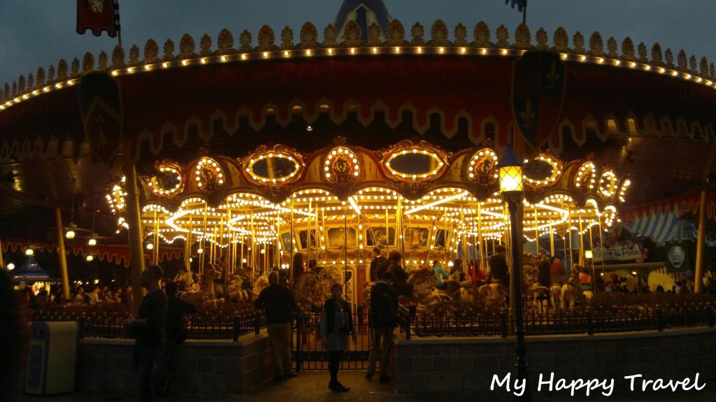 Hong Kong Disneyland, ilta ja joulutunnelmia  Passionate