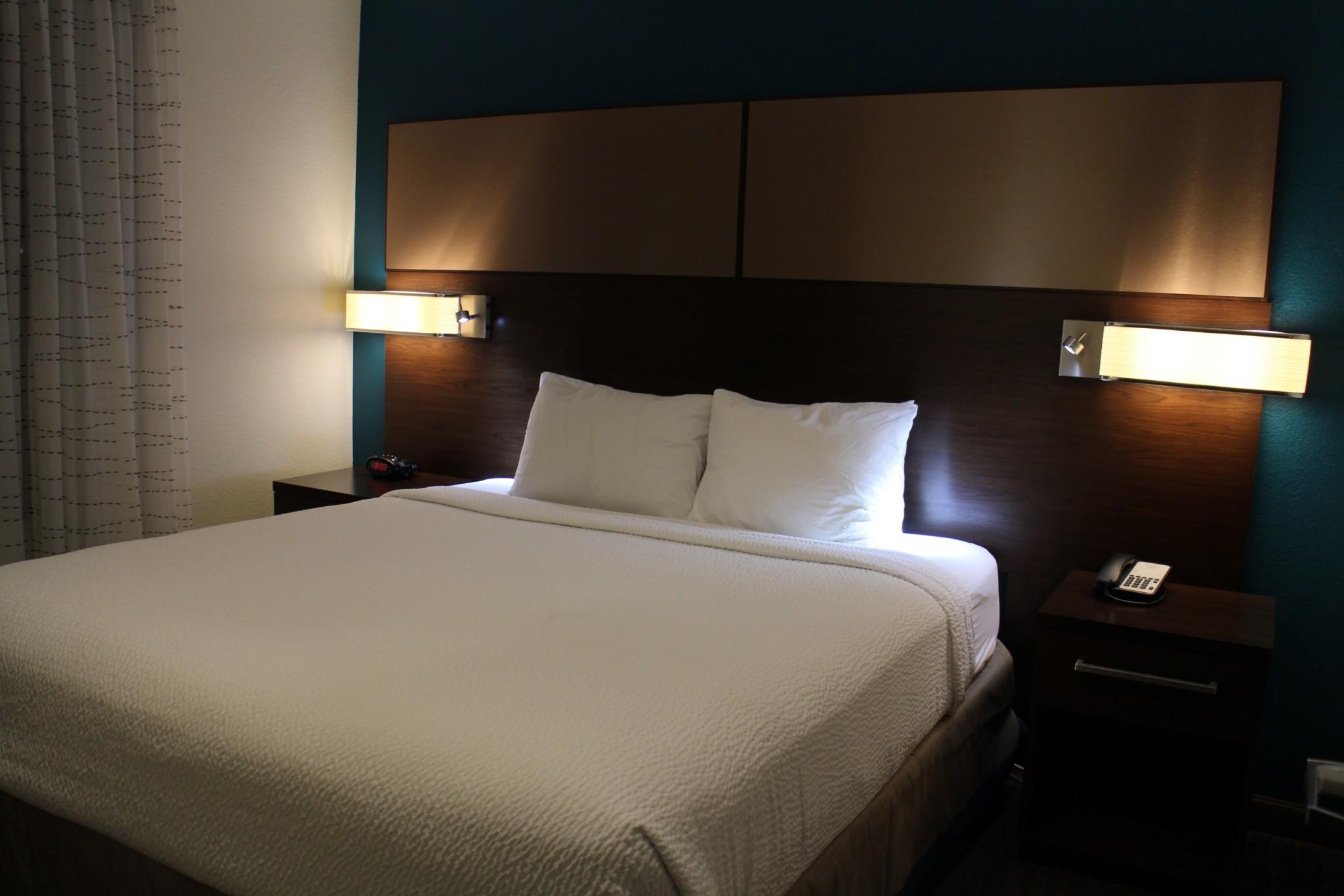 Residence Inn Redondo Beach bedroom