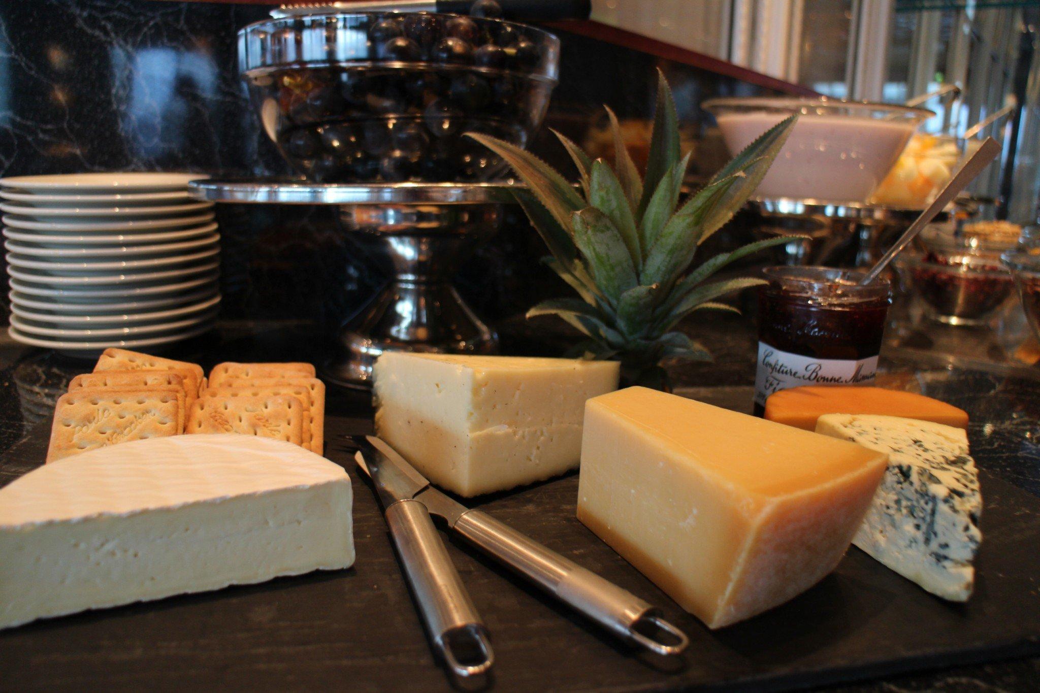 Silja Europa Maxim a la carte aamupala juustot