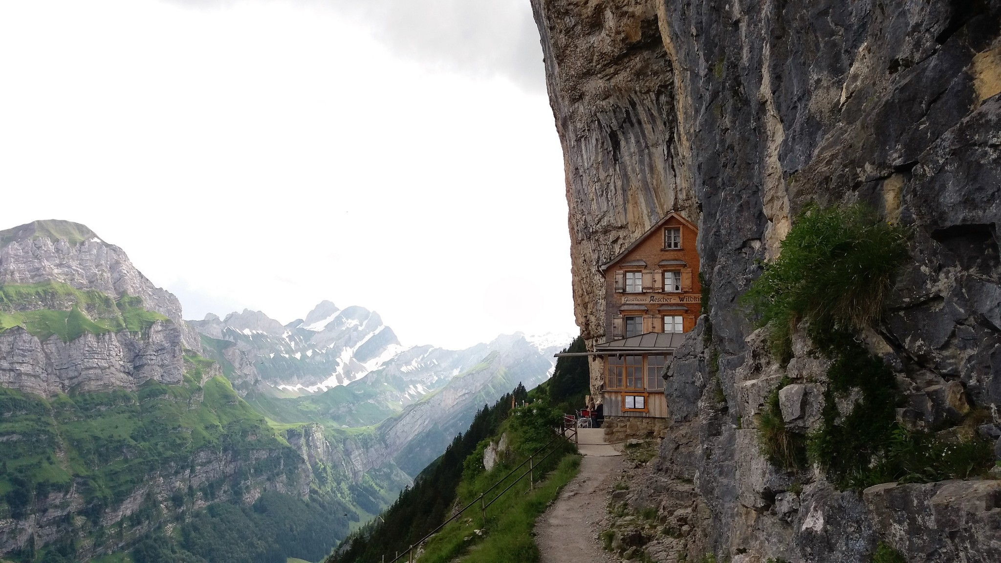 Berggasthaus Aescher-Wildkirchli 2
