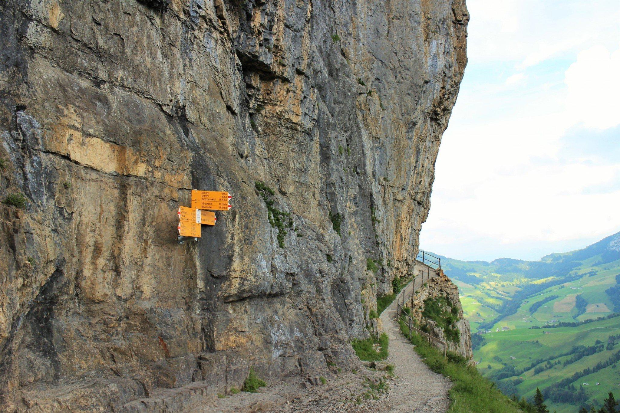 Berggasthaus Aescher-Wildkirchli hiking 2