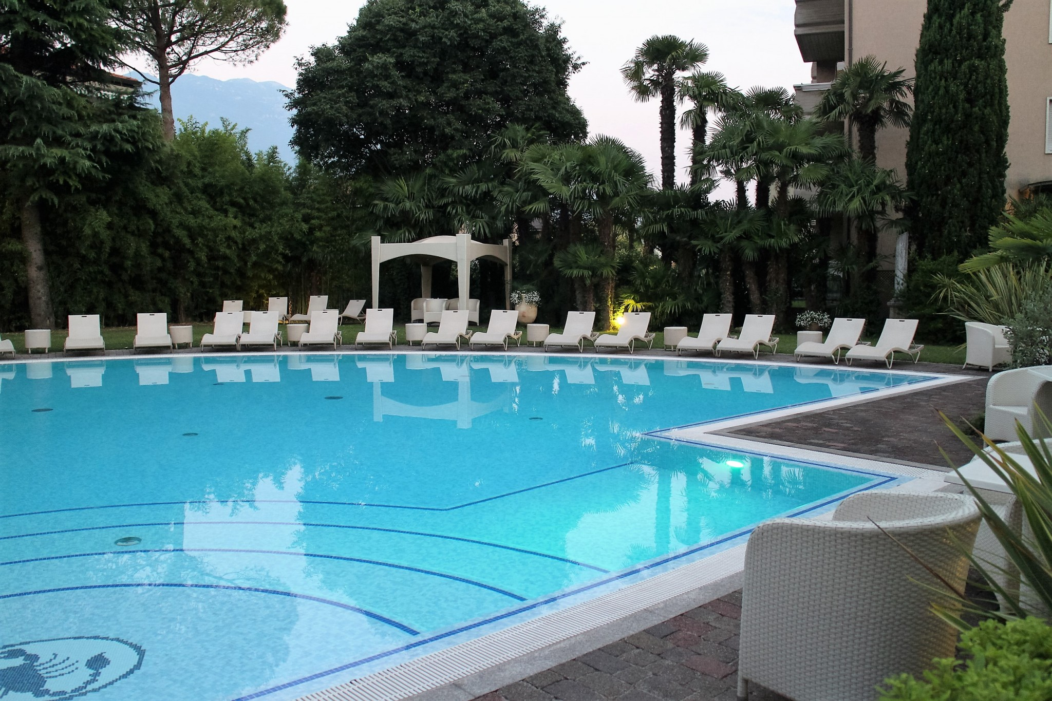 Villa Nisolli Romantic Resort Pool 2