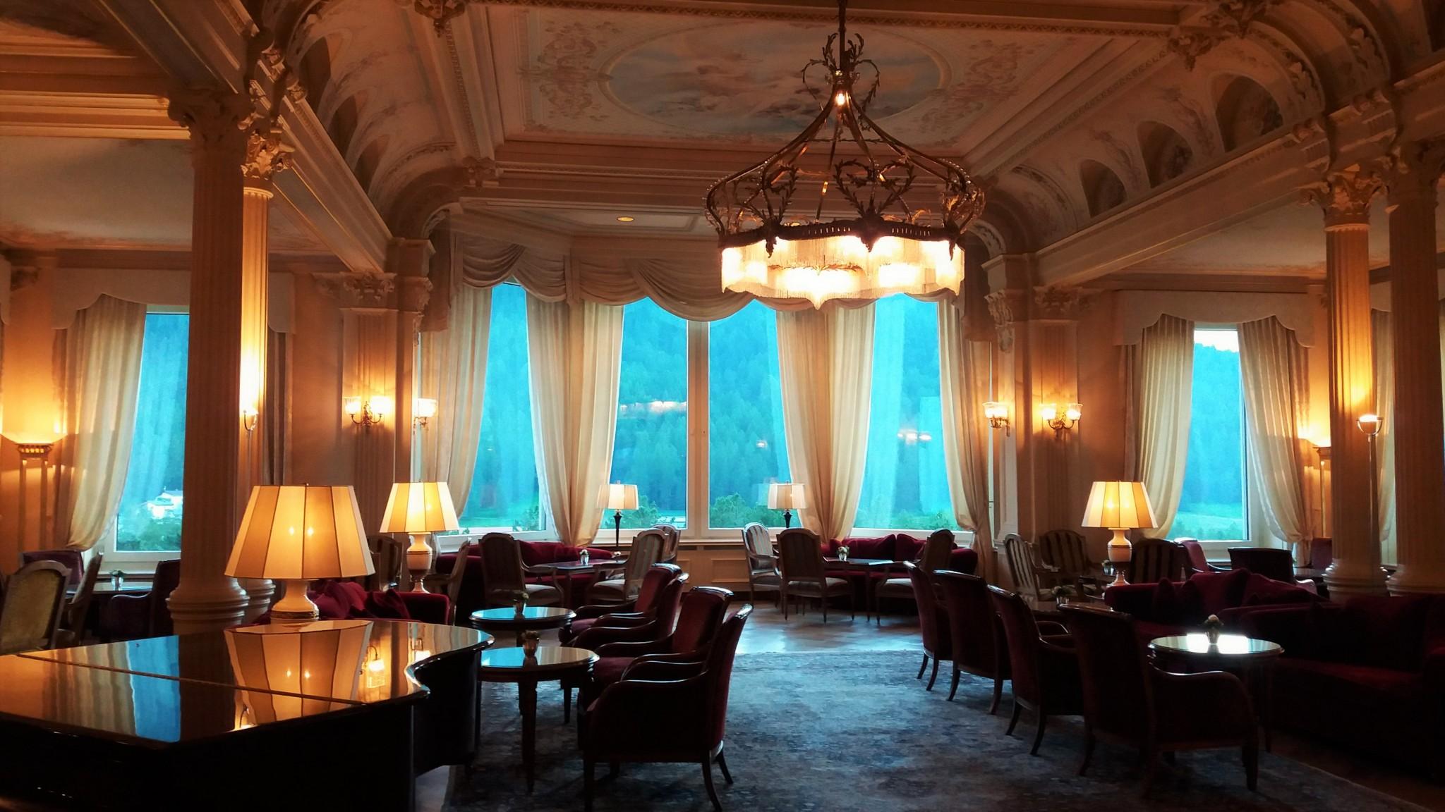 Grand Hotel Kronenhof lobby
