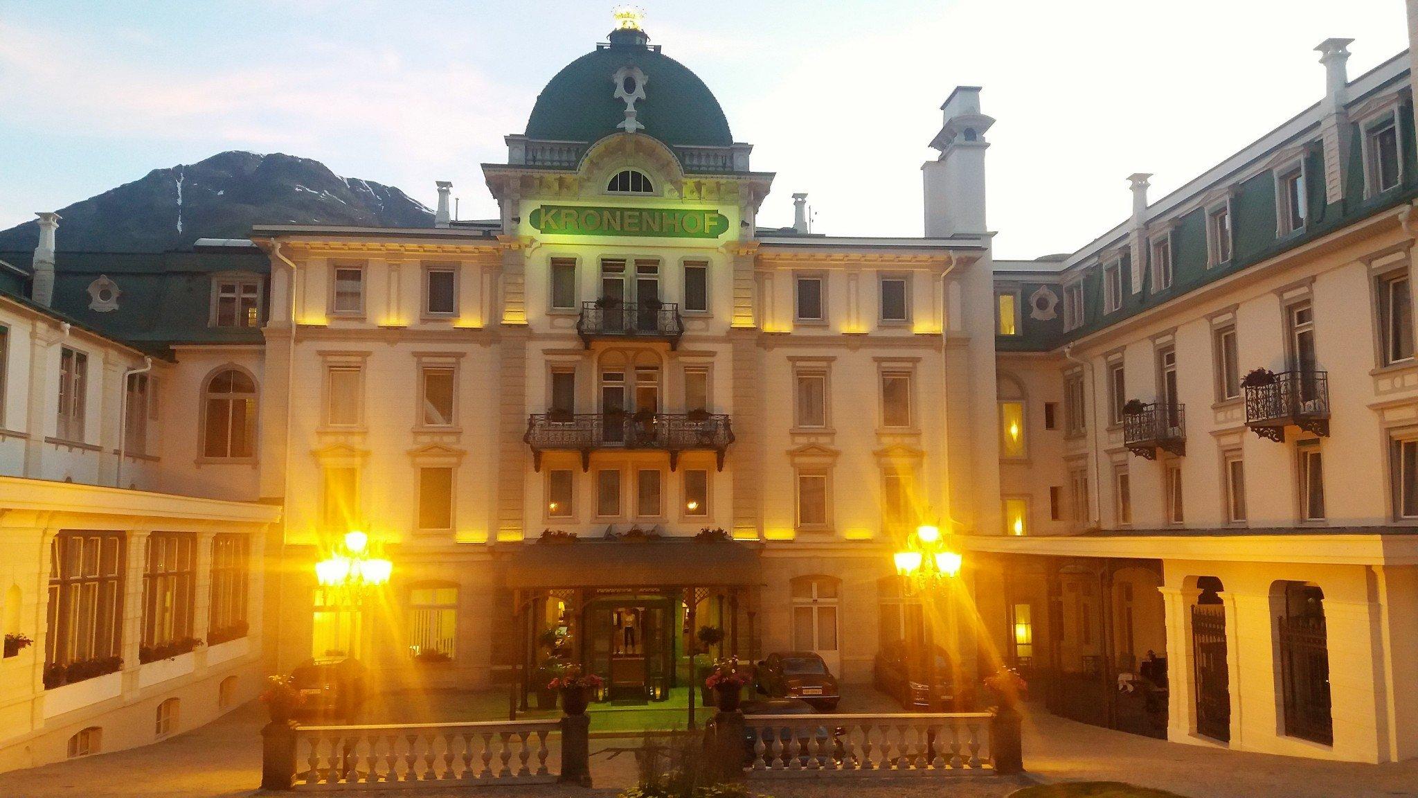 Grang Hotel Kronenhof exterior