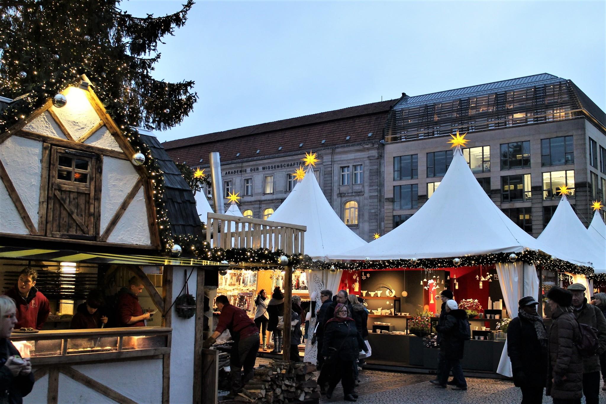 Berliini joulumarkkinat Gendarmenmarkt 0