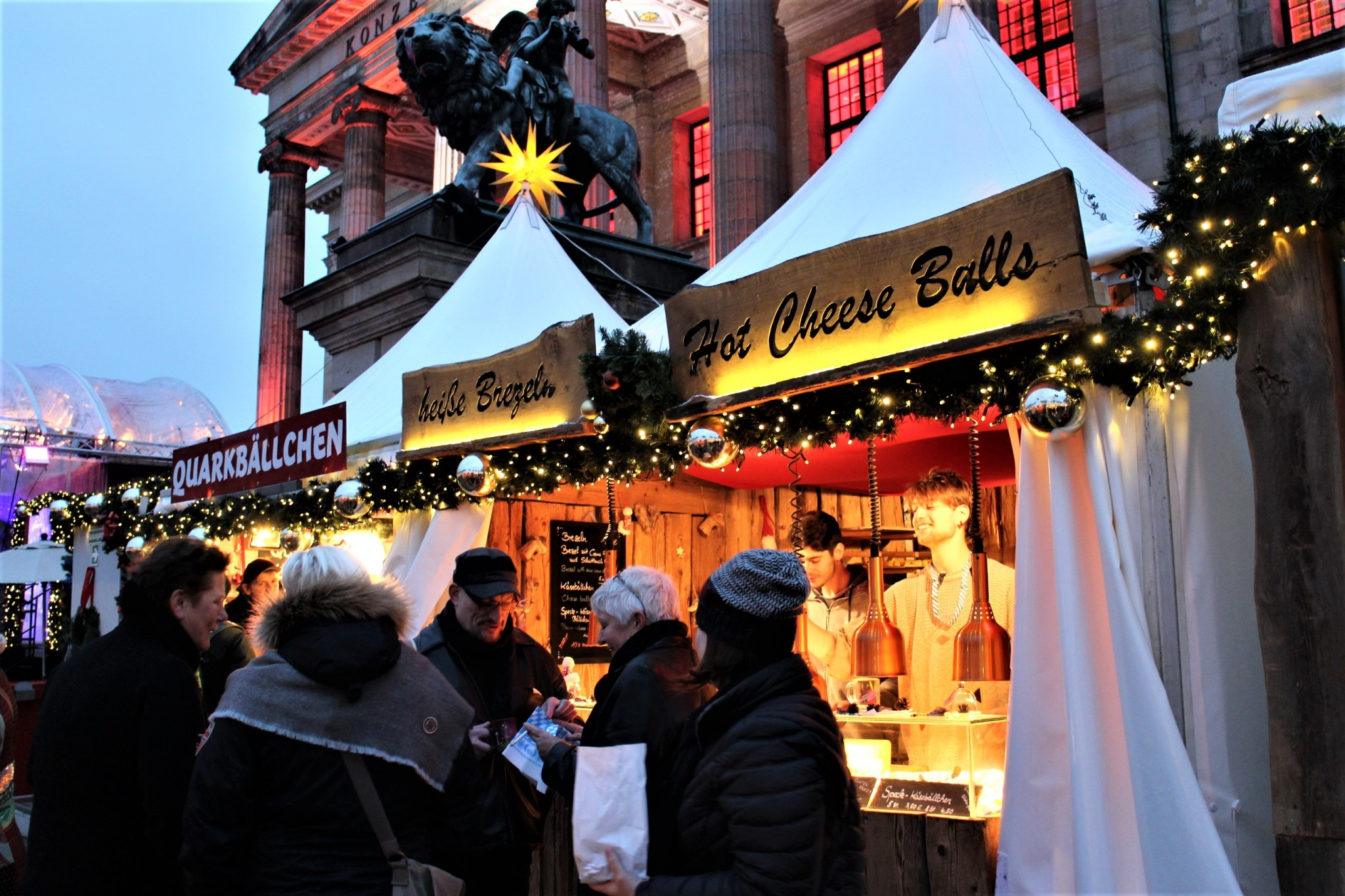Berliini joulumarkkinat Gendarmenmarkt 1