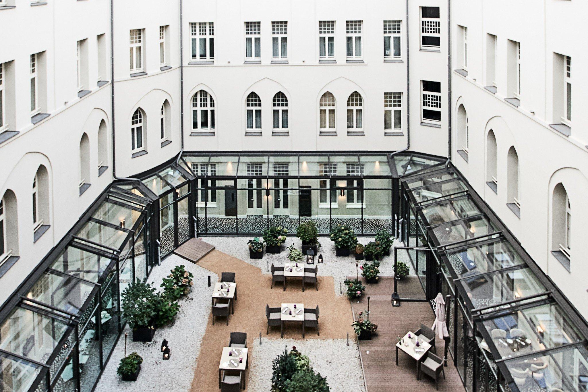 Hotel am Steinplatz Courtyard