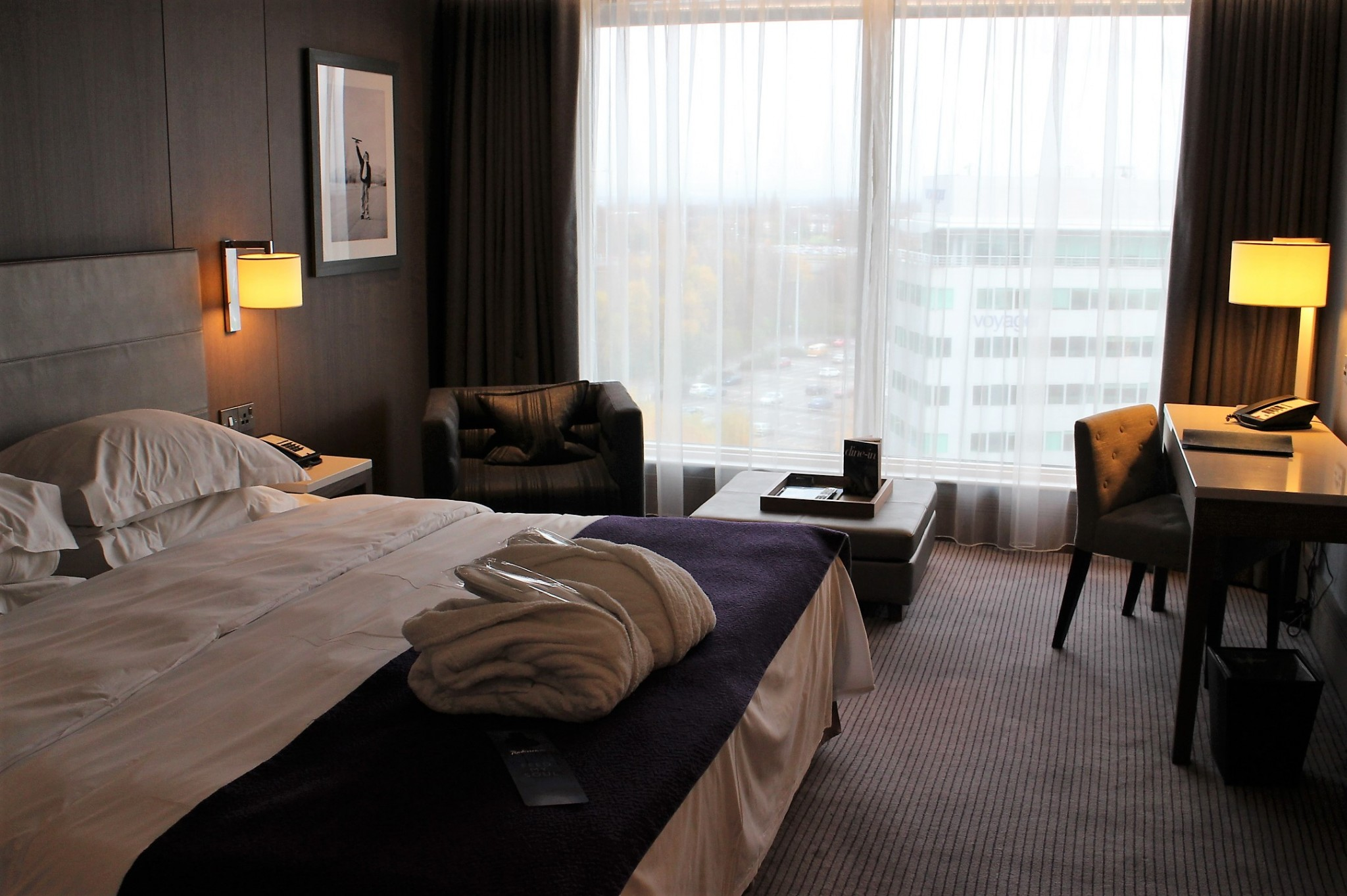 Radisson Blu Manchester Airport Business Room