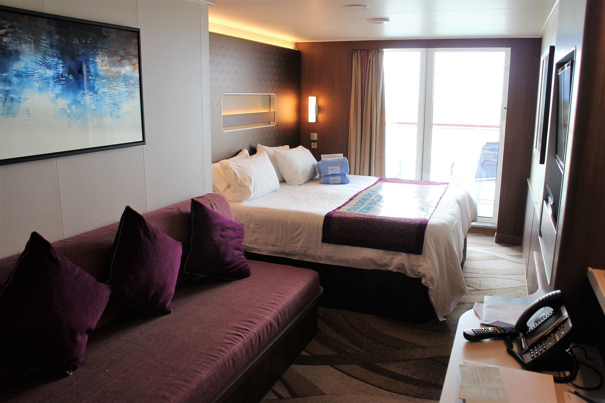 Norwegian Escape Mid-Ship Mini-Suite