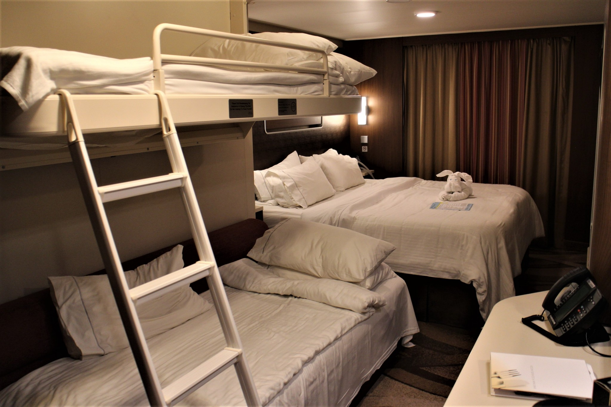 Norwegian Escape Mini-Suite Bunk bed (2)