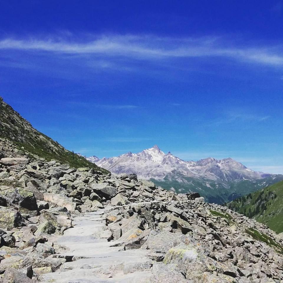 Muottas Muragl Alpit vaeltaminen