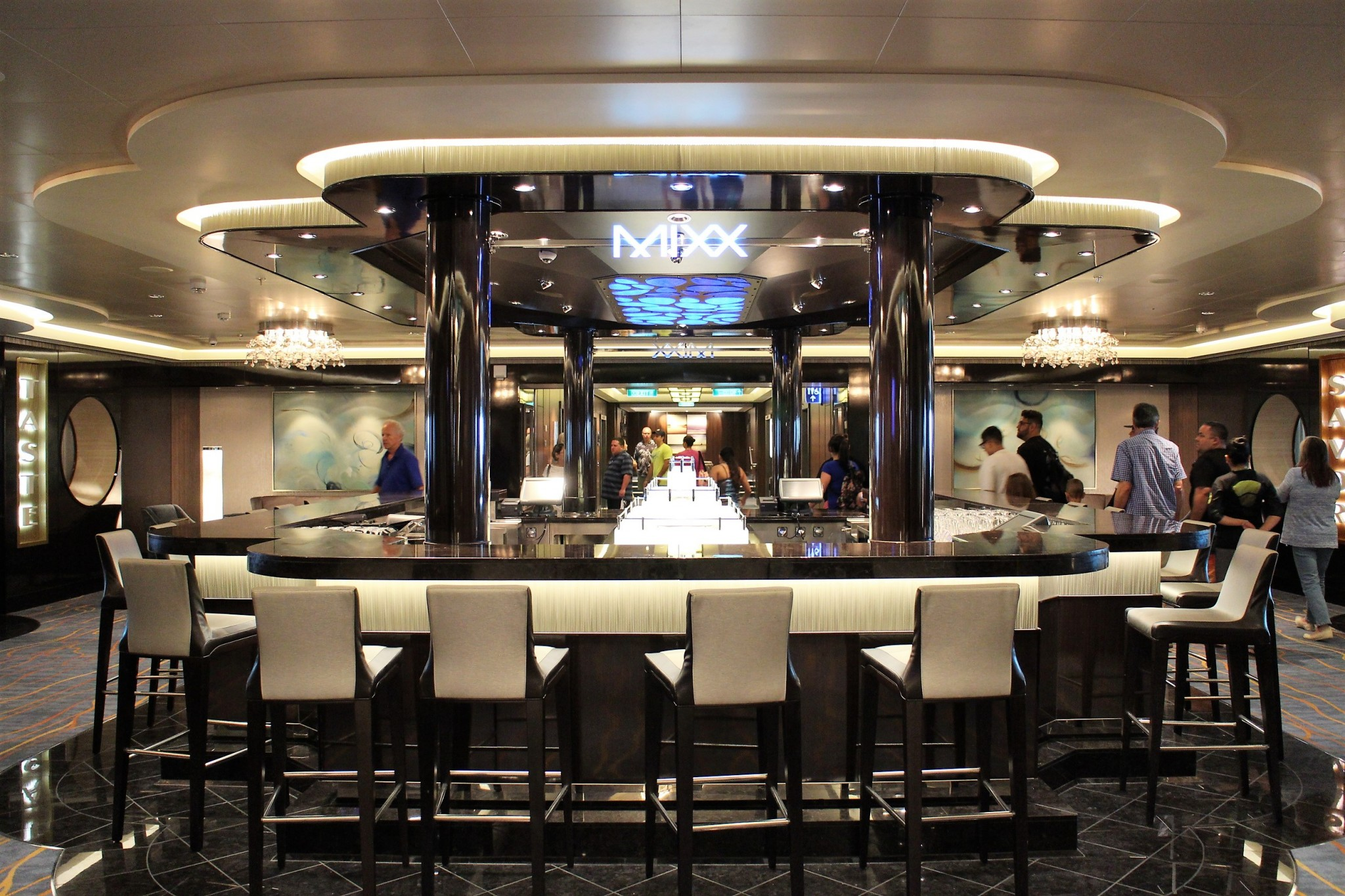Norwegian Escape Mixx Bar