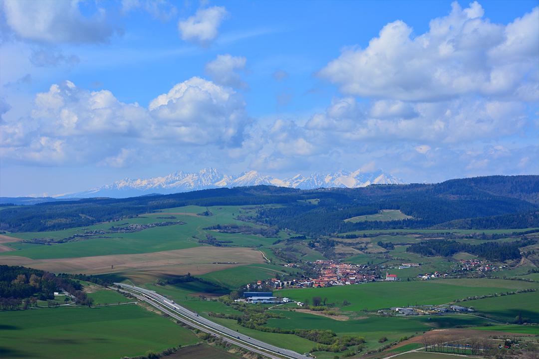 Maisema Tatra-vuorille