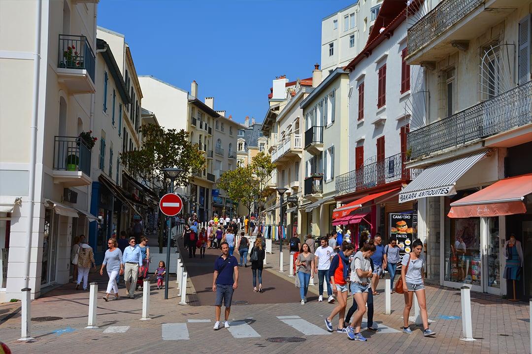 Rue Mezegran, ostoskatu Biarritzissa