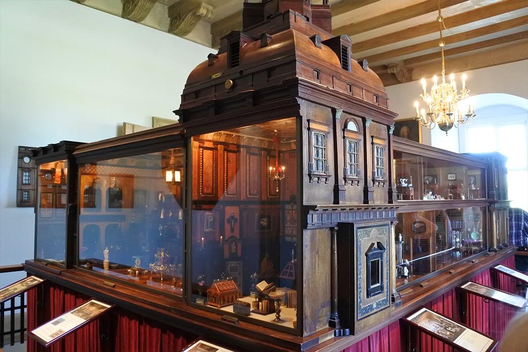 Titanian palatsi, maailman hienoin nukkekoti