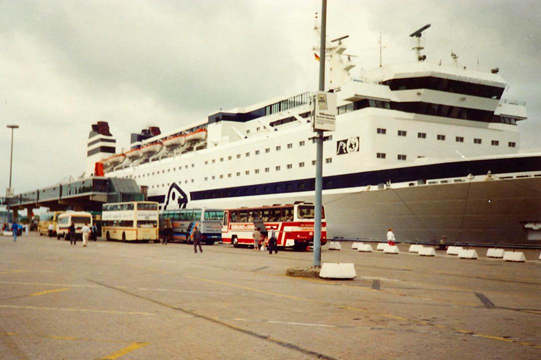 Finnjet Travemünden satamassa