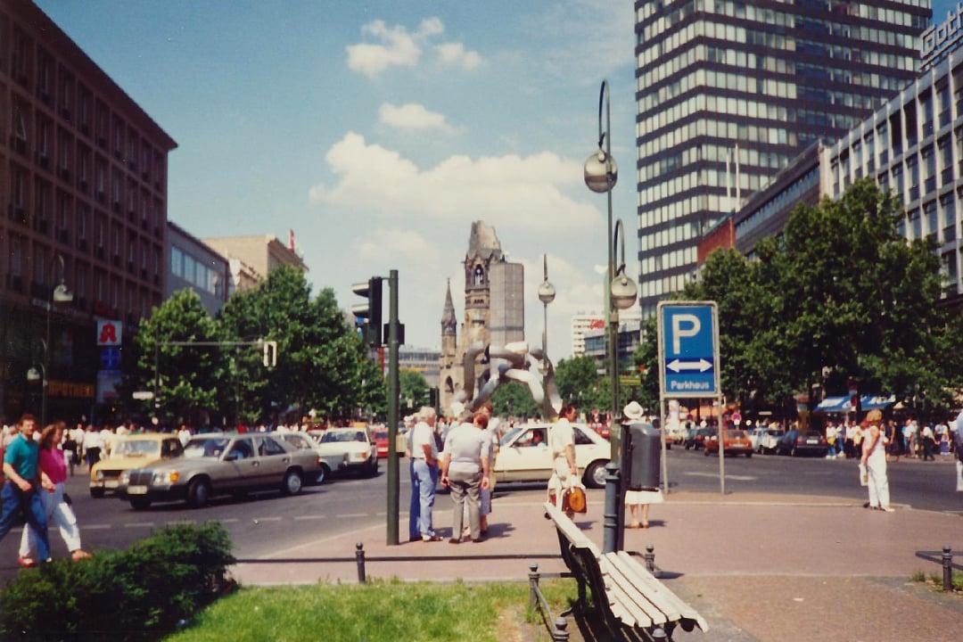 Länsi-Berliinin katukuvaa