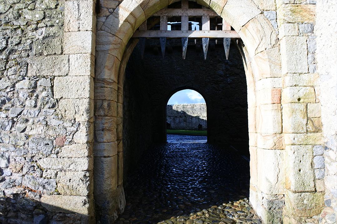 Cahirin linnan portti