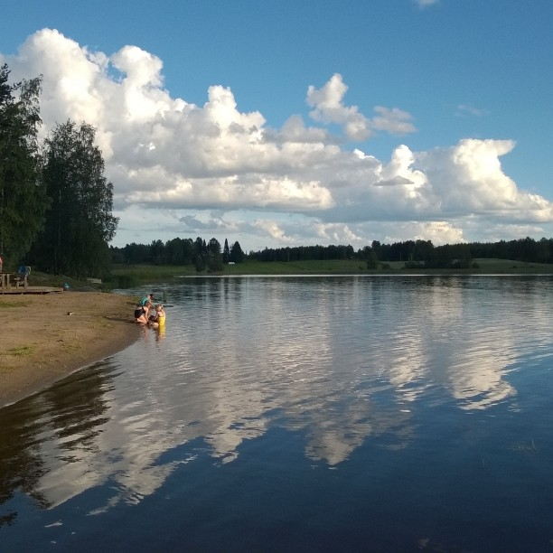 Iltauinnilla #visulahti #uimaranta #kesäilta #suomiretki #kotimaassa #perheloma #suomiloma #mikkeli