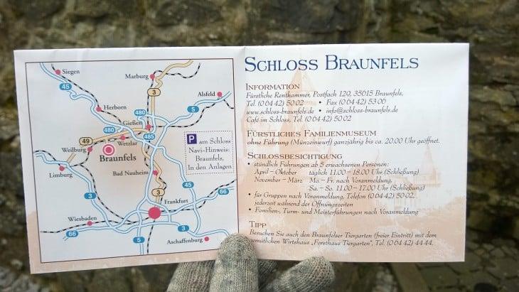 Schloss Braunfels sijaitsee noin 50 km päässä Frankfurtista.