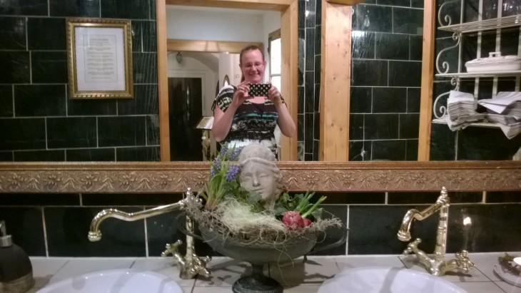Vaikka en yleensä vessaselfieitä harrasta, tässä ravintolassa oli aivan pakko sellainen napata!