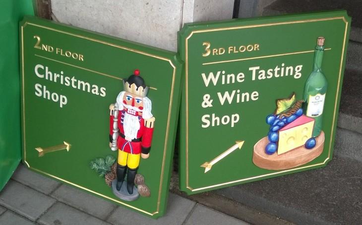Julkisilla liikkuessa voi hetken mielijohteesta pistäytyä vaikkapa viininmaisteluun.