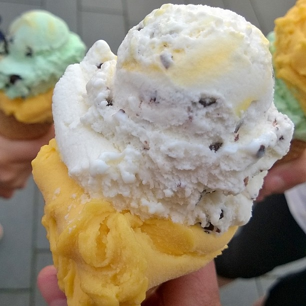 Kesä. +25. Jäätelö 1€/pallo. Saksa ♥ #kesä #jäätelö #lomallesaksaan #gelato #icecream #mango #stracciatella #aftereight #minze #visitgermany #lecker #summer #Sommer