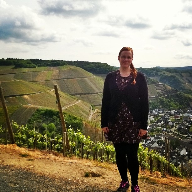 Today we visited Dernau, famous red wine area in Germany. #ahrtal #ahr #redwine #dernau #visitdernau #vineyard #visitgermany #travelblog #lempipaikkojani #rotwein #beautifulview #lomallesaksaan #saksanviinit