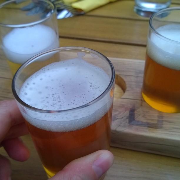 Tasting craft beer in Freie brau union Bremen #bremenerleben #visitbremen #craft beer #freiebrauunion #brauerei #unionbrauereibremen #tasting #beer #bremercraftbeer #pienpanimo #koebremen #olutpanimo #hanwerksbrauerei #lomallesaksaan #matkablogi #IGTravelThursday