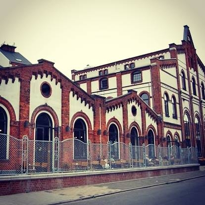 Olutpanimo Freie Union Brauerei sijaitsee tässä historiallisessa rakennuksessa hieman Bremenin keskustan ulkopuolella.