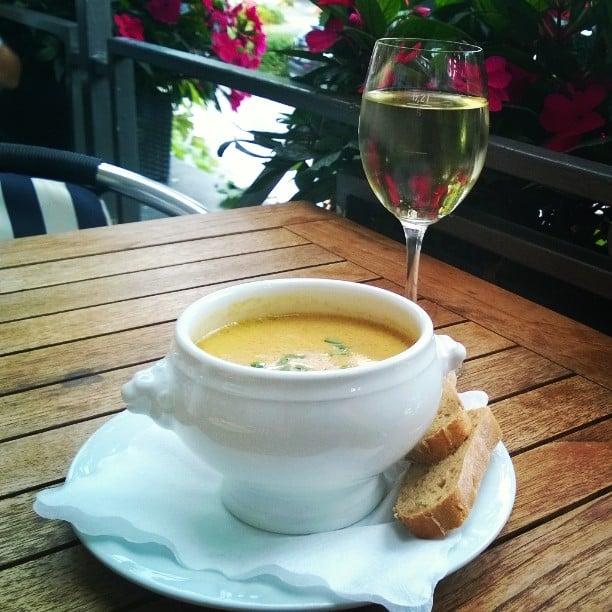 Chantarelle soup and Riesling #cochem #visitcochem #hotelmüller #chantarelle #soup #riesling #whitewine #weisswein #Moselwein #mosel #Moseltal #September #Pfifferlinge #igtt #igtravelthursday #matkablogi