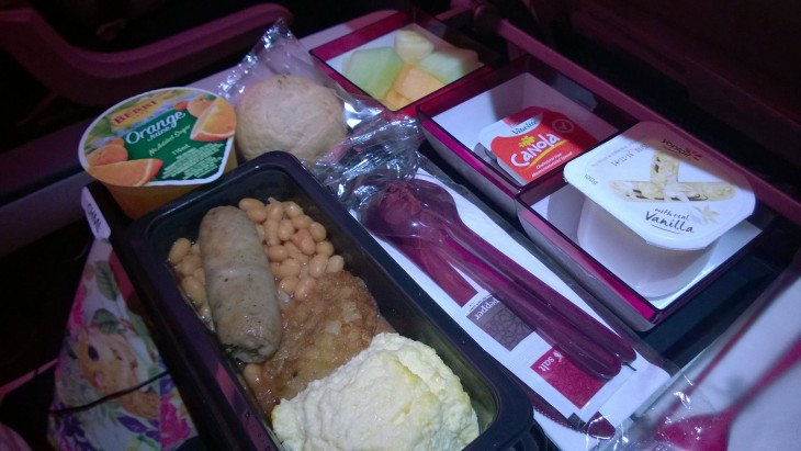 qatar_airways_A350_lasten_aamupala_adelaide