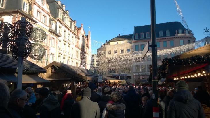 ruuhkaa joulumarkkinoilla saksassa