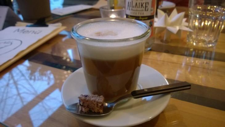 vegaaninen latte spelttimaidolla
