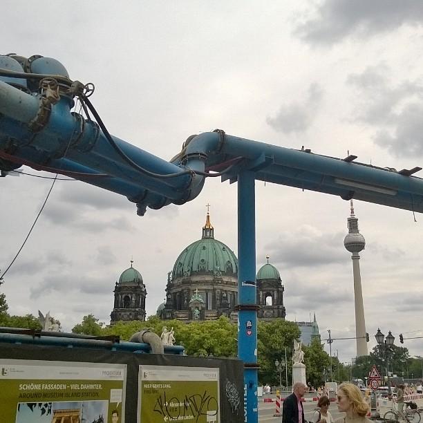 Berlin DE Mielenkiintoinen kaupunki Mielenkiintoiset putkiratkaisut berlin visitberlin instaberlin myberlinhellip