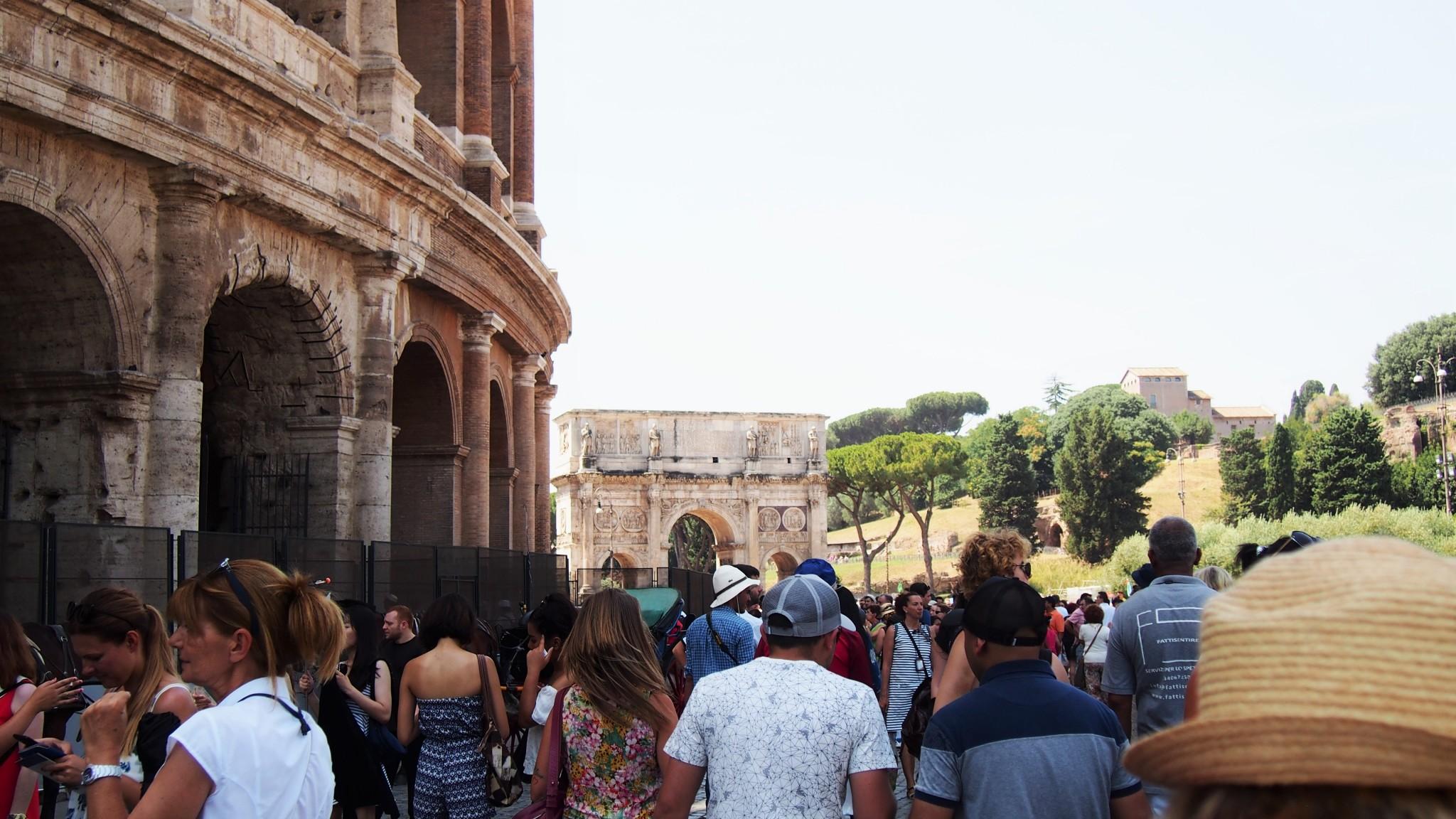 Colosseum turistit
