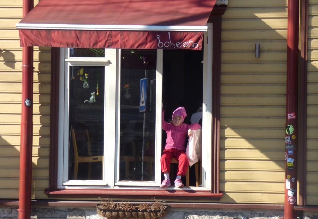 tallinna 30 lapsi ikkunassa