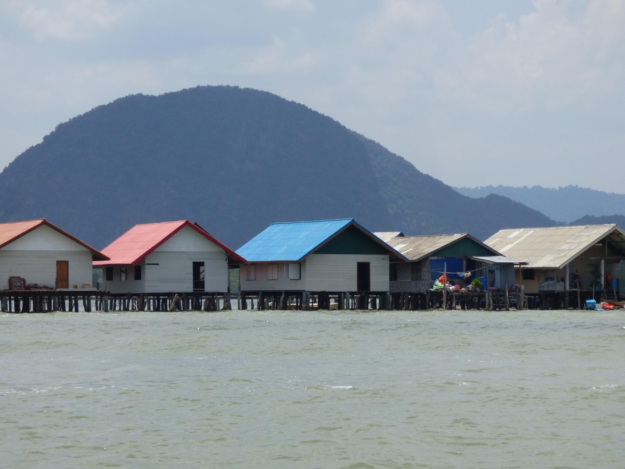 Merimuslimien paalukylä Thaimaa
