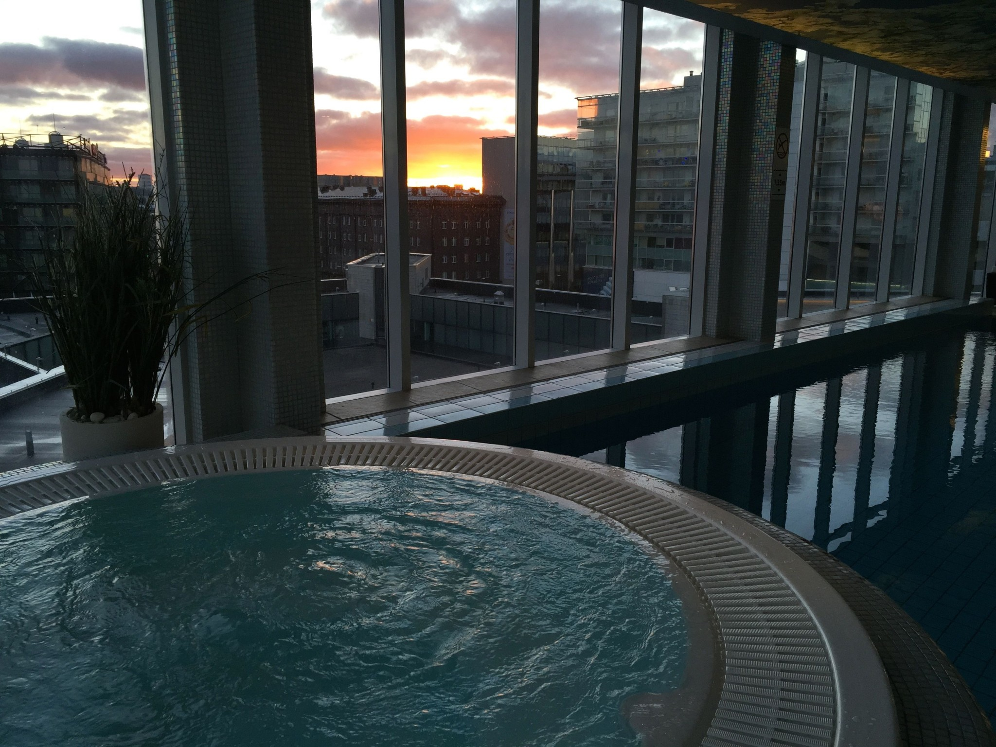 pool nordic hotel forum