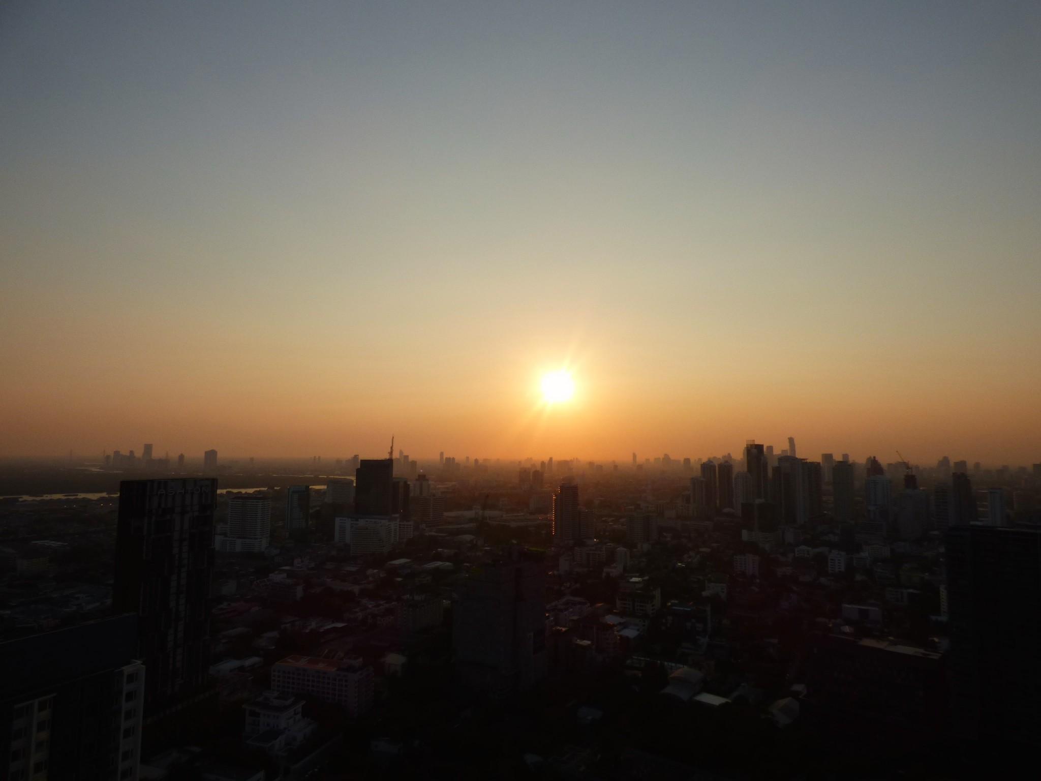 Octave Bangkok kattobaari